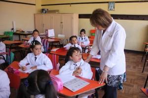 profesora y alumnos